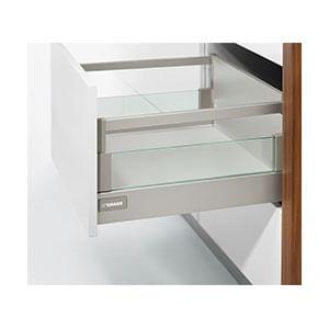 מגירה גבוהה,  AGANTIS, עם דופן הגבהה מזכוכית וגלריה גבוהה._סדרת מגירות AGANTIS-592